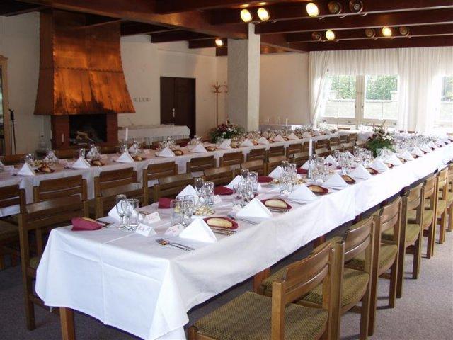 Ladida pripravy - sal na hostinu, vyzdoba bude jina