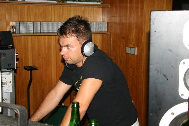 Lada{{_AND_}}Art - DJ ballyhoo