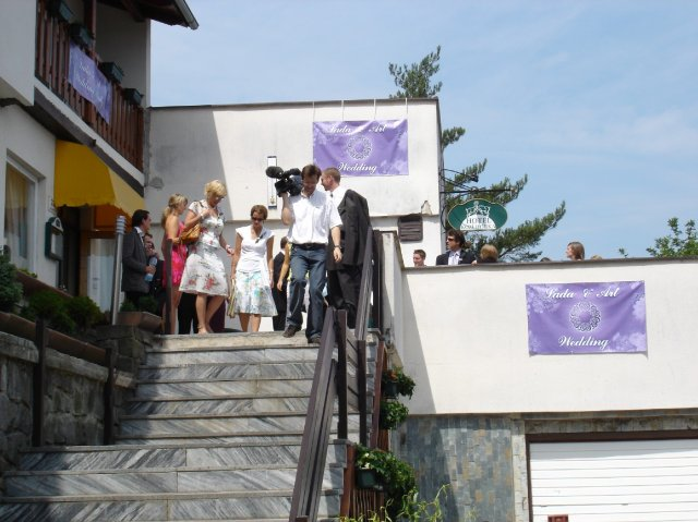 Lada{{_AND_}}Art - Hotel Kozi Horka na Brnenske prehrade. Zde se konala hostina a byli ubytovani vsichni hoste.