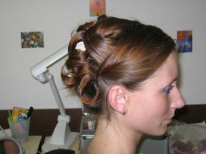 Precizně provedený účes pro jemné a řídké vlasy