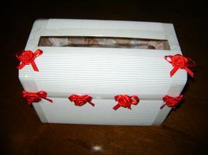 Tak a kasička na přání a peněžní dary je už hotova :-)