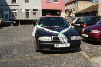 ... naše svadobné autíčko ...