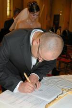 ... zlatko sa podpisuje ...