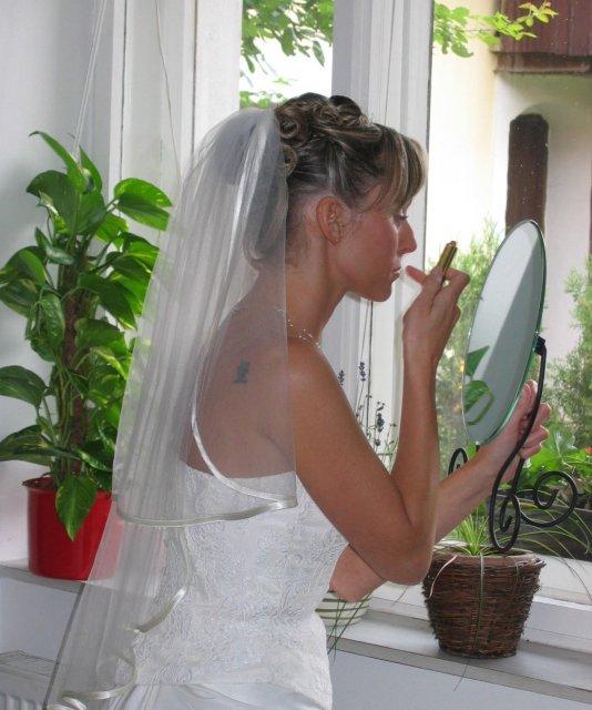 Zuzka{{_AND_}}Míra Stříbrných - Poslední přípravy nevěsty
