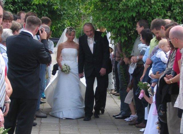 Zuzka{{_AND_}}Míra Stříbrných - Přichází nevěsta