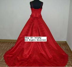 A moje popolnočné šaty ktoré som si objednala v Honkongu pridam aj iné foto, ako vyzerali na mne.