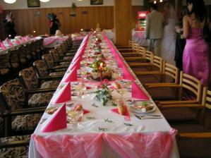 naše růžová svatební tabule