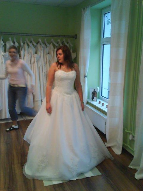 Stanka a Tibor - skúšanie svadobných šiat