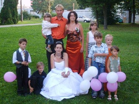 Gituška Pinďaková{{_AND_}}Miško Poleč - Moja birmovná krstná mama s mužom. Nie všetké deti sú ich:)