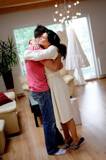 """Linda{{_AND_}}Marián Zonygoví - tu ma manžel prvý krát zbadal nalíčenú a učesanú a vzdychol: """"ty si nádherná""""... a mne od dojatia vyhŕkli slzičky"""