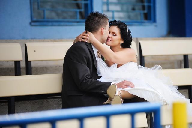 Linda{{_AND_}}Marián Zonygoví - to je bozk, aj keď to vyzerá, že mi manžel nosom vypichol oko :D