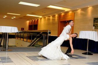 náš 1. manželský tanec :)