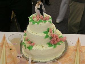 svatební dort byl úžasně dobrý