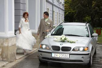 naše autíčko poslúžilo ako svadobné :)