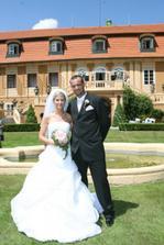 První novomanželská fotka