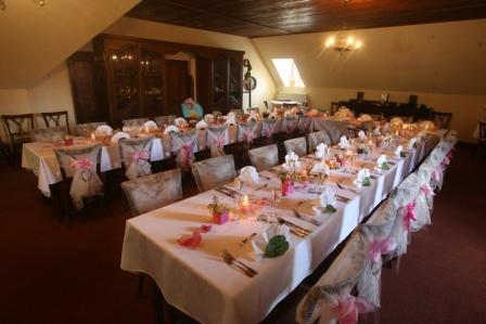 Nádherná výzdoba svatebního stolu