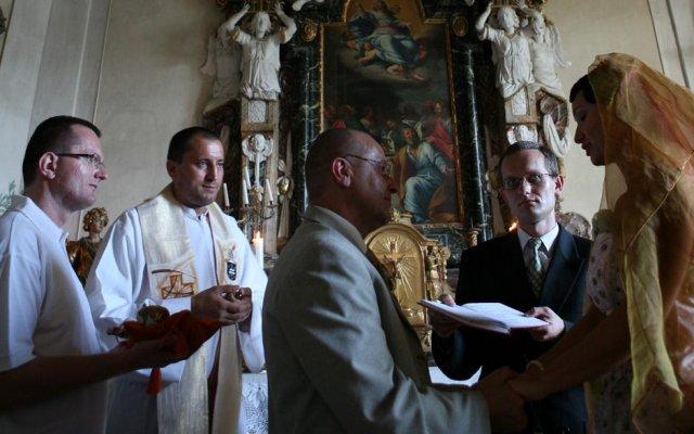 Hella Kratochvílová{{_AND_}}Vlastimil Kratochvíl - Ekumenický sobáš, katolické,evanjelické a pravoslávne požehnanie