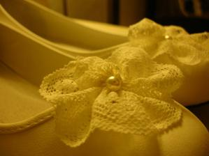 Vyrobeno - krajka na balerínky, nakonec botky nepoužiji