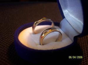 a naše prstýnky ještě jednou...