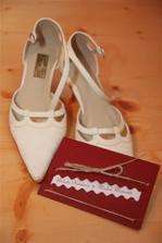 moje botičky s oznámením...