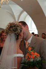 první novomanželský....