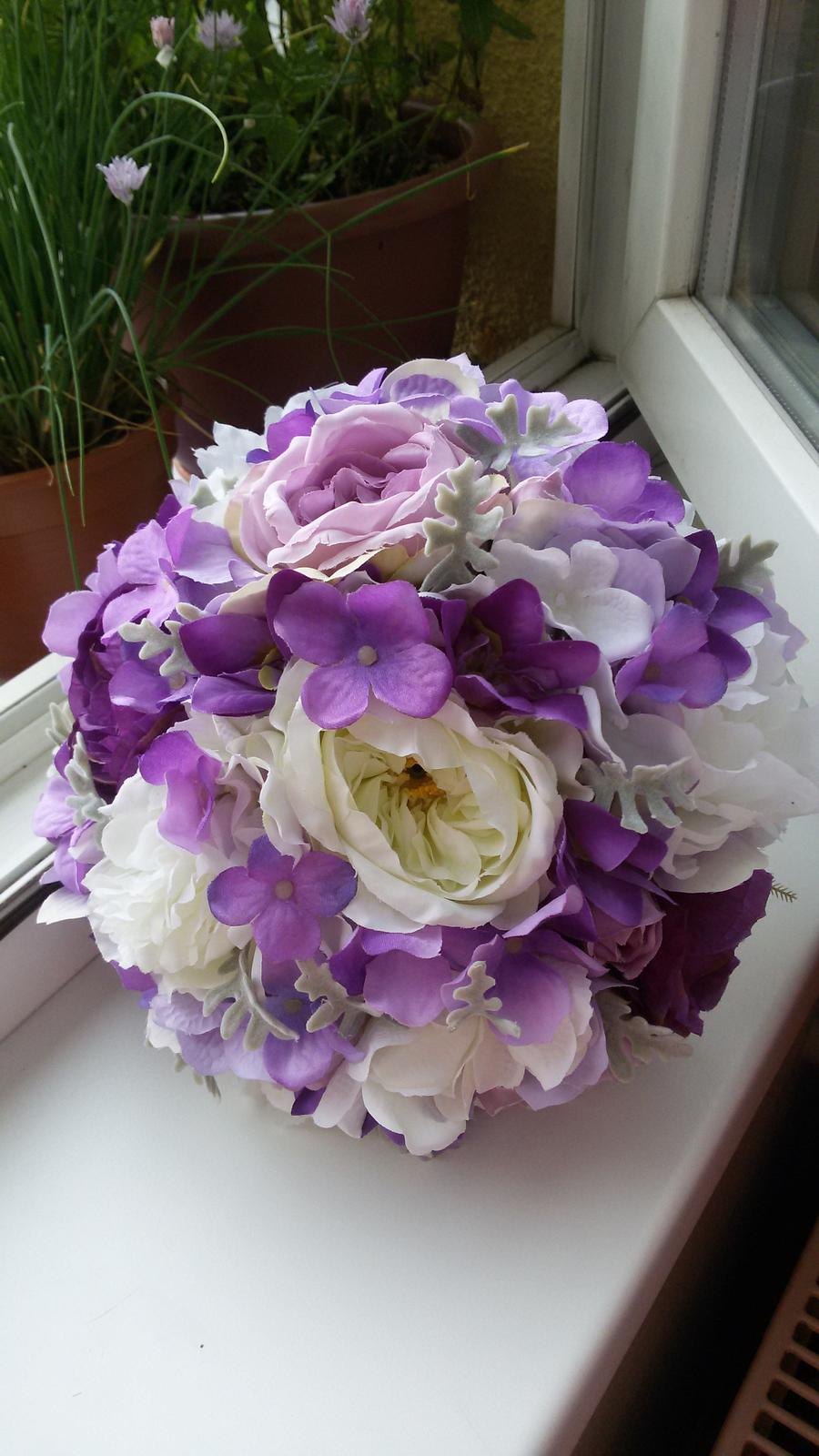 Petra K.{{_AND_}}Tonda K. - Moje svatební kytička - růže, pivoňky a hortenzie.