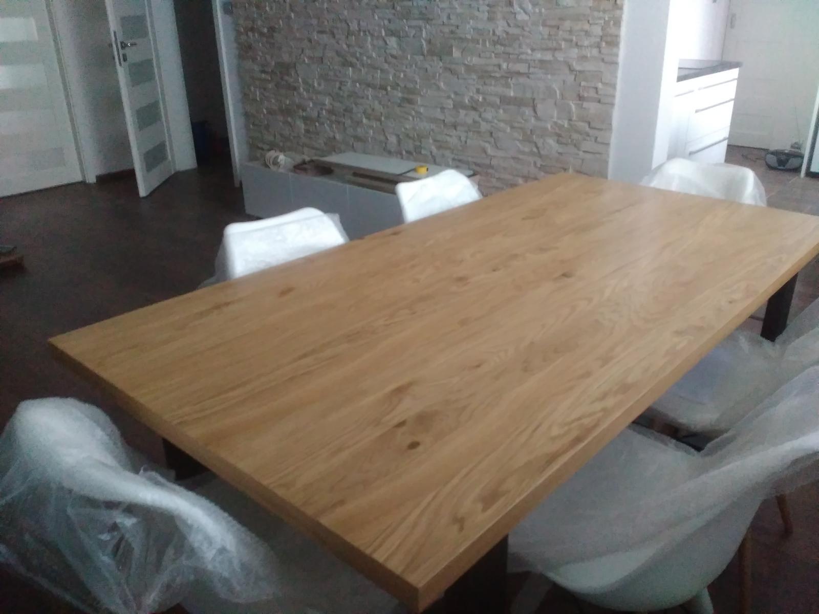 Keď sa staré vymenilo za nové - vcera sme poskladali stol a stolicky 😍