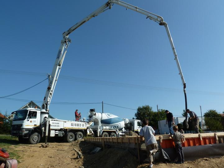 Domcek :) APS K01 - September 2011 - Zalievanie plotne