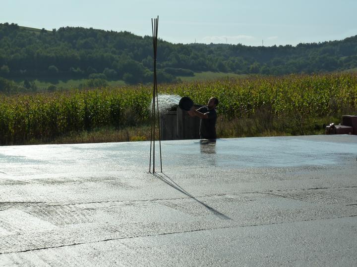 Domcek :) APS K01 - September 2011 - Polievanie plotne