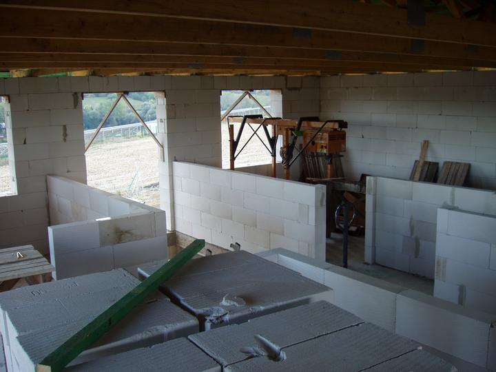 Domcek :) APS K01 - September 2012 - Murovanie priecok na poschodi