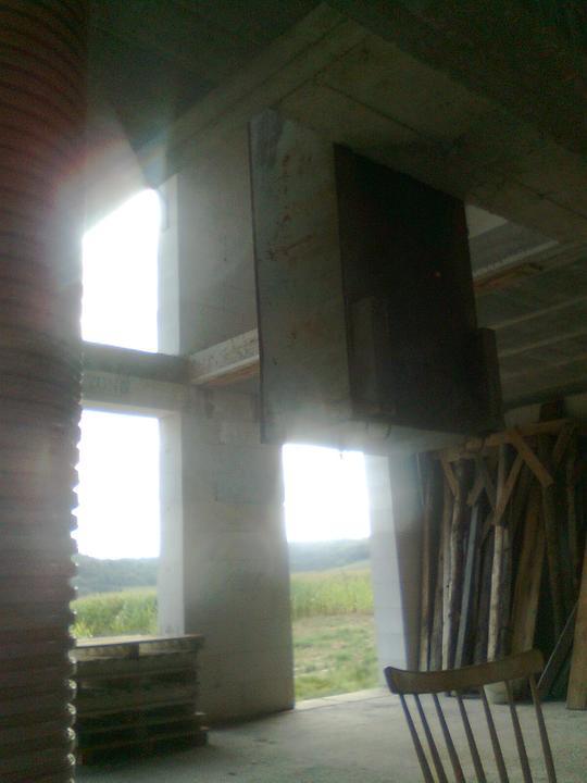 Domcek :) APS K01 - September 2012 - Skladanie vytahu z poschodia a zaroven pohlad na nasu GALERIU :)