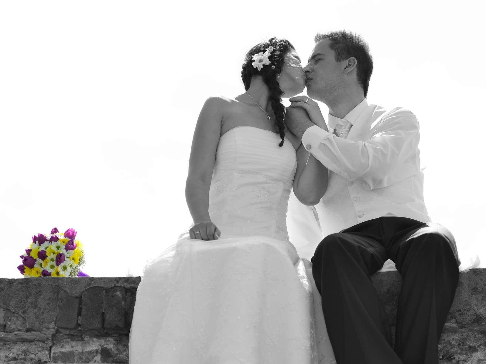 Krajkové svadobné šaty - Obrázok č. 1