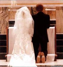 Co dodat? Nápis na botách hovoří za vše - být nevěsta, zabiju ho :)