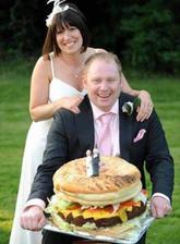 Dort by měl vypovídat něco o svatebním páru...