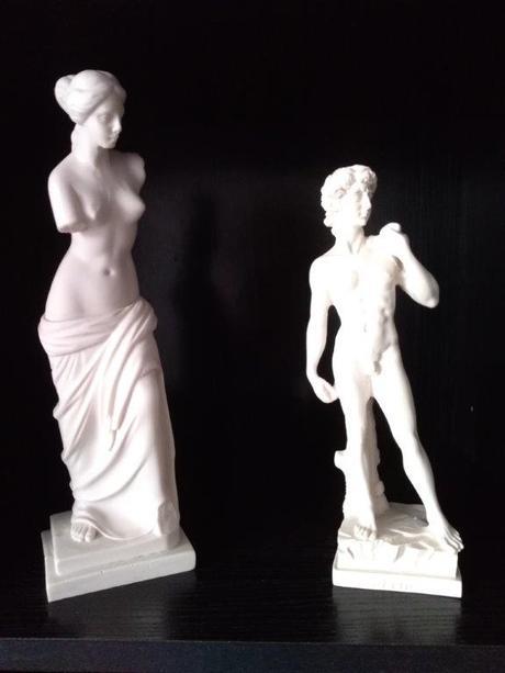 Dekoratívne sošky z alabastru Venuša a Dávid - Obrázok č. 1