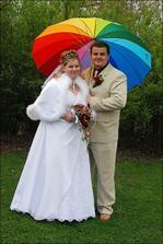 náš svatební dar...velký deštník :-)