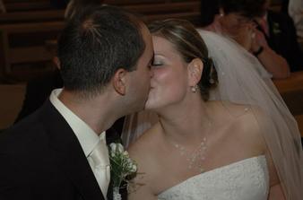 prvá mladomanželská pusa