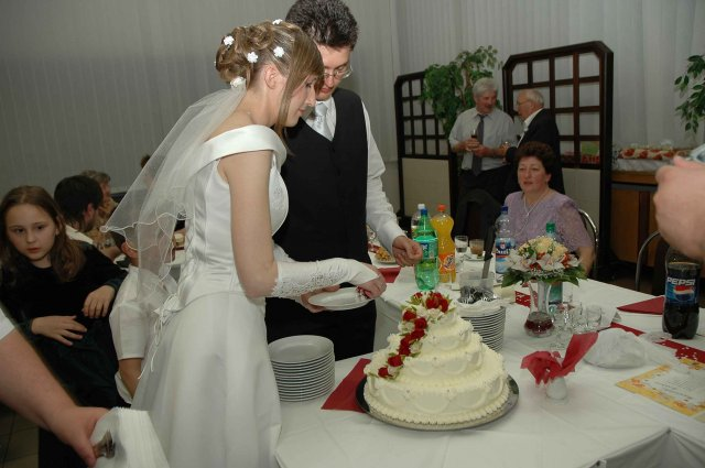 Baša{{_AND_}}Peťko - torticka bola krasna. detusinky sa jej uz nevedeli dockat :-)