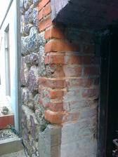 naspodu už nový betónový základ zo 60tych kokov. Dôvod tehly to nevydržali.