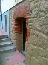 vchod do pivnice