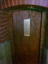 Pôvodné dvere po zreštaurovaní