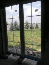 výhlad na terasu sa rysuje okná namontovanéé!!