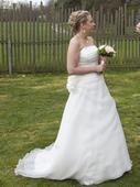 Svatební šaty s vlečkou vel. 40 až 44, 42