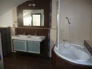 skrinka pod umývadlo hotovo, sprcha a zástena tiež