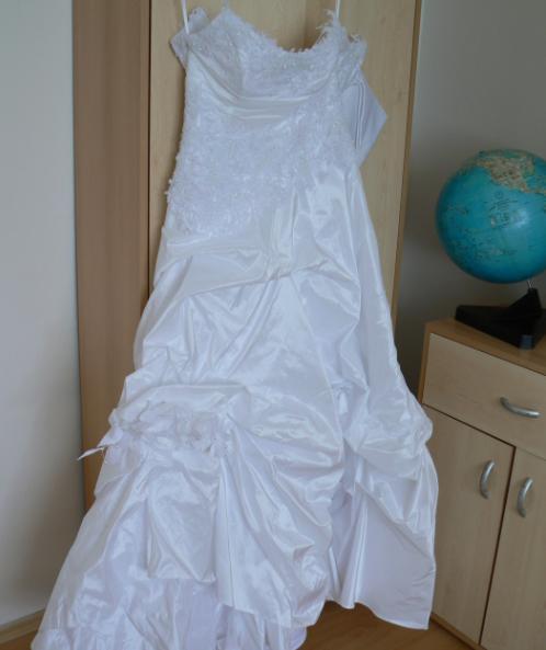 Detaily z nasej svadby - moje krasne saty