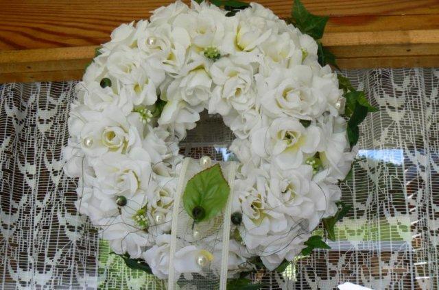 Detaily z nasej svadby - vencek  na dverach