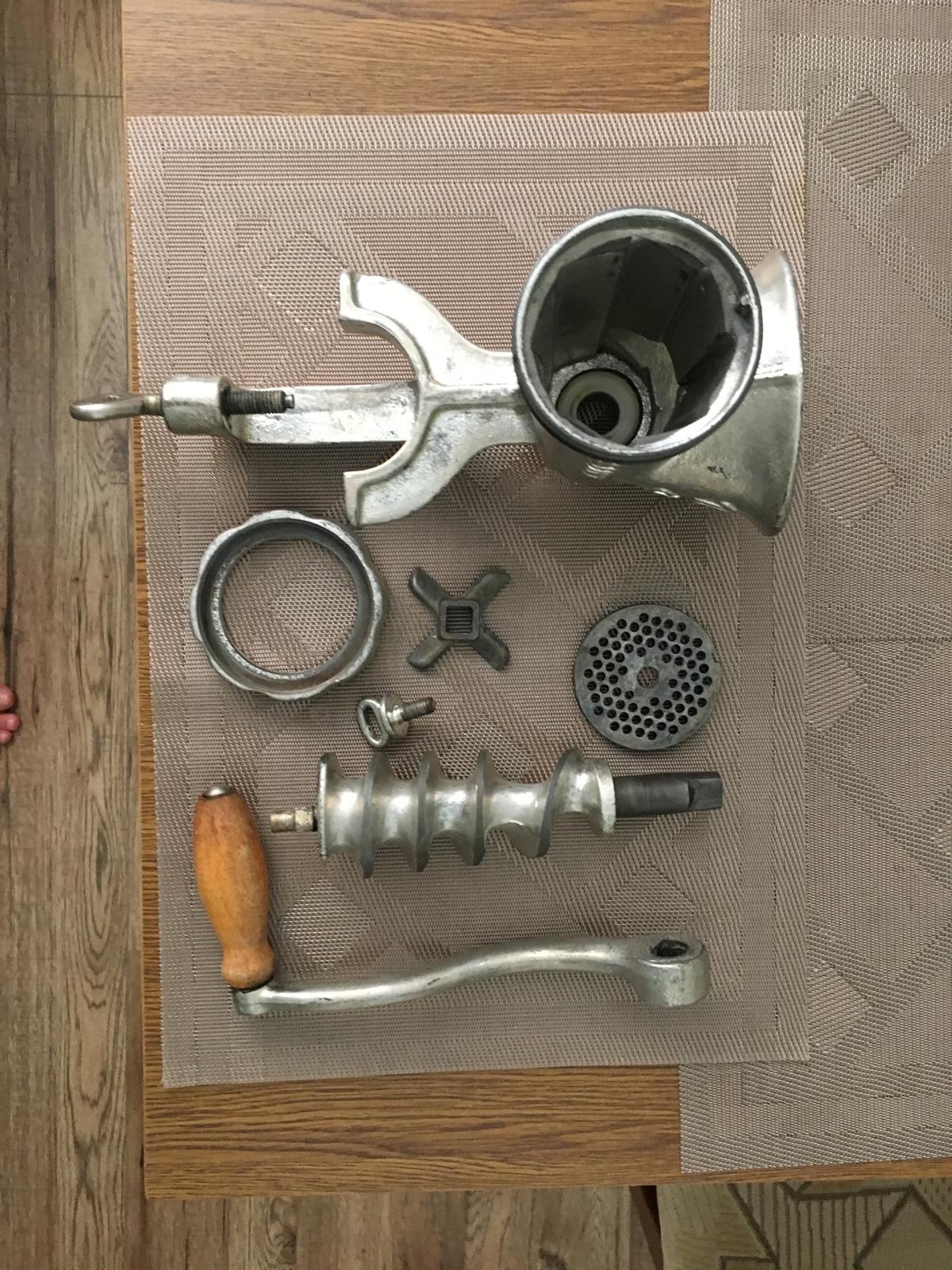retro liatinový mlynček na mäso - Obrázok č. 4