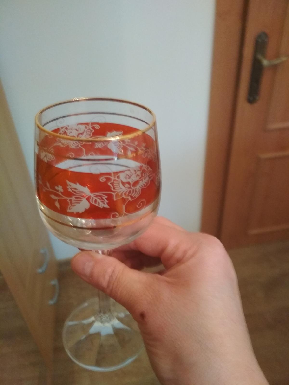 krásne poháre na víno - Obrázok č. 1