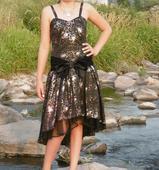 slávnostné šaty, 34