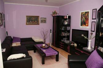 fialová obývačka